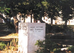 Stone commemorating the tornado victims; Giardini
