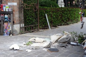 Collapse of the  statue ;Papadopoli gardens,Venice