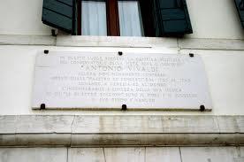 lapide a memoria di Antonio Vivaldi